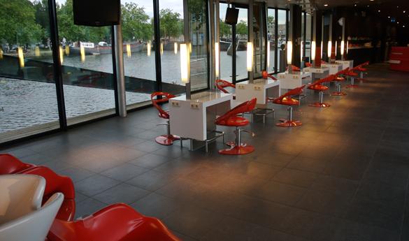 4_salon.jpg